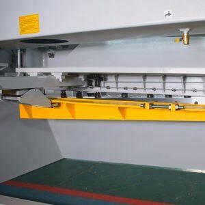 CNC Plate Shears hydraulic cylinder adjustment