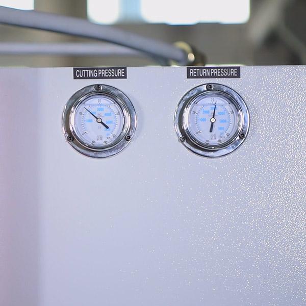 CNC hydraulic guillotine shear cutting and return pressure